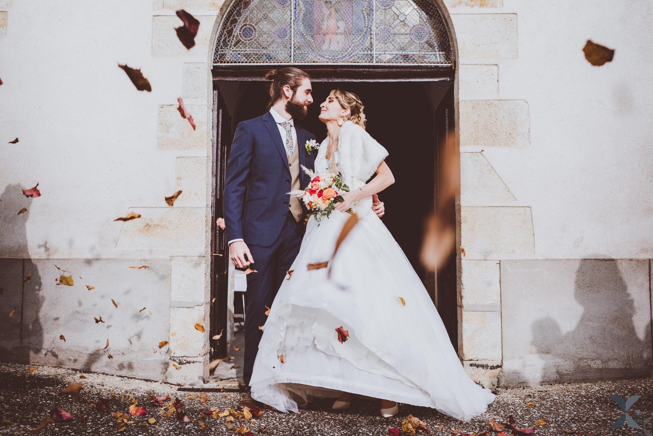 Mariés à la sortie de l'eglise